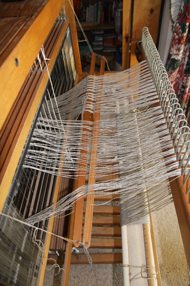 loom_with_warp_back_raddle